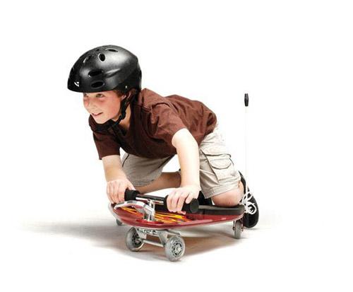 4輪ニーボードの乗車イメージ