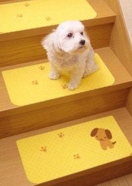 おくだけ階段マット犬
