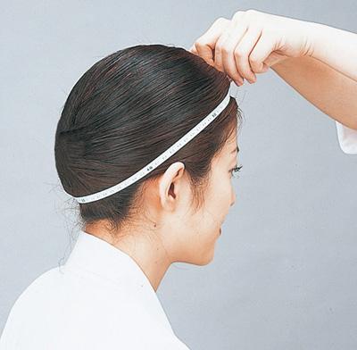 頭の周囲の測り方