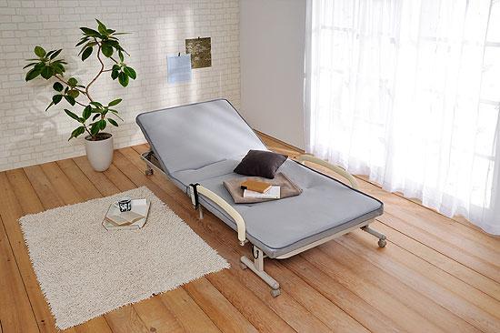 収納式電動リクライニングベッド