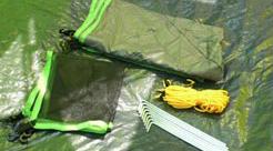 ロープやペグを付属