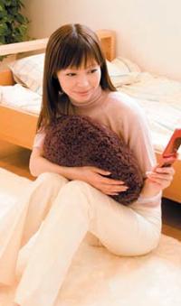 ホットクッション【コイズミ ほっとクッション 角 KHK-2591】イメージ画像